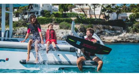 Ako používať motorový čln na vodné športy